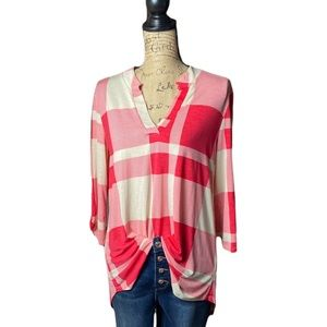 Honeyme white/pink plaid v-neck quarter sleeve top